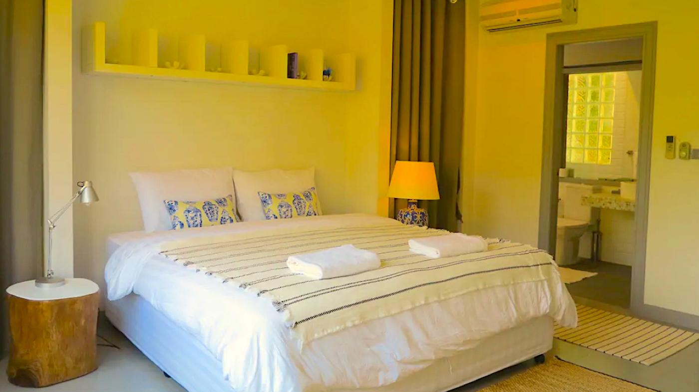 Natural Villas | Front Samet Beach House | Bedroom With Bathroom