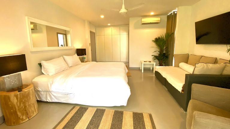 Front Samet Beach House | Slider | Bedroom 1